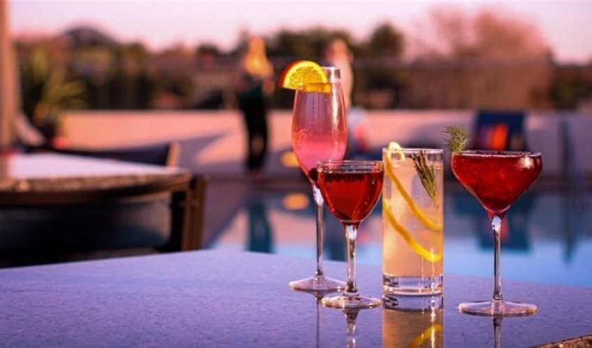 Sunset-Cocktails-on-the-Roof